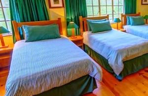 Kingfisher Cottage Bedroom at Bellwood Cottages